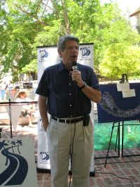 County Supervisor  Zev Yaroslavsky addresses the crowd at the First Annual Studio City Community Barbecue & Roundup