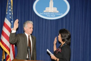 Paul Kekorian being sworn in by