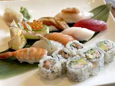 Eat sushi al fresco with music and beer.