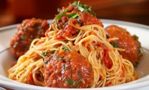 The Daily Grill offers entrees under 600, such as this chicken meatball and angel hair dish for 590 calories.