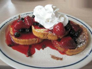 ihop-berry-berry-brioche-french-toast