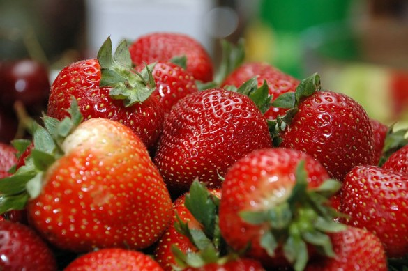 800px-Bowl_of_Strawberries-1